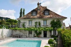 Bursins (VD) - Magnifique maison d´époque rénovée de 500 m2 avec vue sur le lac