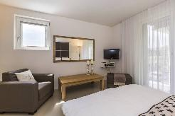 Cosy and fully furnished studio apartments close to Zurich´s green residential a