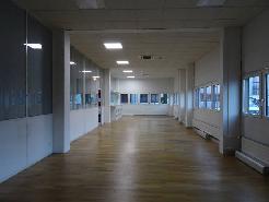 Schöne Verkaufsfläche mit Büro im Erdgeschoss