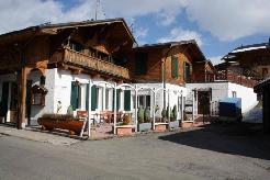 Immeuble locatif avec restaurant et 4 appartements à Leysin