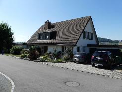 10-Zi Einfamilienhaus mit grossem Garten