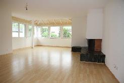 Moderne, sonnige und ruhig gelegene 4 ½ Zi. Wohnung mit Cheminée