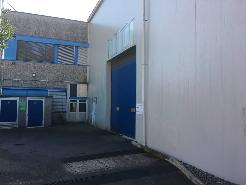 Fabrik und Bürogebäude / Fabbrica con Uffici