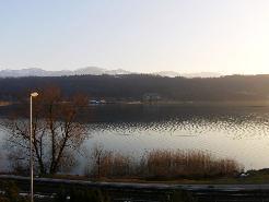 Wohnen 30m vom See (35min. von Zürich)