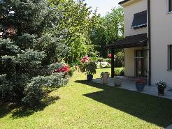 Casa monofamiliare in posizione soleggiata / Einfamilienhaus an sonniger Lage in