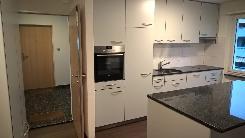 Renovierte, helle 4 Zimmer Wohnung an zentraler Lage