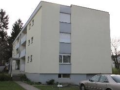 Schöne, geräumige 4½-Zimmerwohnung mit Balkon an zentraler Lage