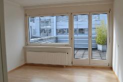 Grosszügige 3.5 Zimmerwohnung im Gewerbegebiet