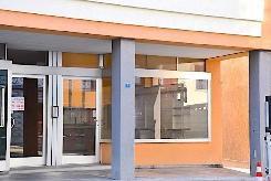 BRISSAGO CENTRO - locale commerciale / ufficio di 2 locali con vetrata