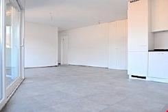 LOSONE - ERSTBEZUG - Zentrale 4,5 Zi. Wohnung mit Terrasse.