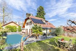 Superbe jardin et piscine chauffée ! Rénovée !