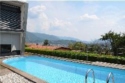 Bellissima Villa con grande terreno - Super villa mit viel Privatsphäre