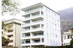 Appartamento di 2,5 locali in città / 2,5 Zimmer Wohnung in der Stadt