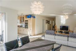 Einzigartige und helle 4½-Zimmer Wohnung