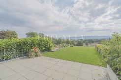Belle villa contemporaine à 5 minutes de Bernex avec vue dégagée sur la campagne