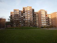 Appartement spacieux de 5.5 pièces, environ 116m2,  au 1er étage avec loggia.