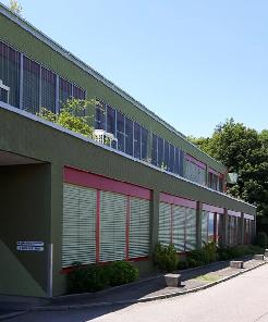 Büro-/Gewerberäume direkt bei der Ausfahrt Urdorf-Süd