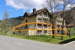 Mehrfamilienhaus mit ihren 8 Wohnungen